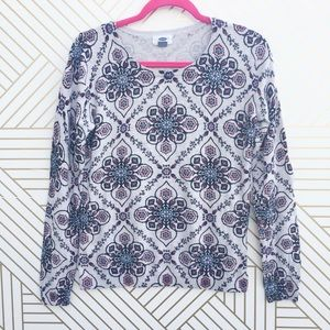 🛍 Old Navy print sweater